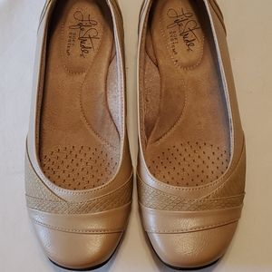 Life Stride flats size 6.5